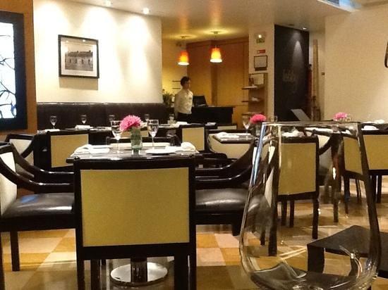 NH Lisboa Campo Grande : lobby restaurant