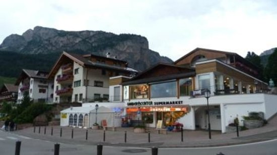 Garni Hotel Concordia: Supermarket near Concordia