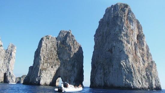 Banana Sport Capri Boat : The beautiful island of Capri