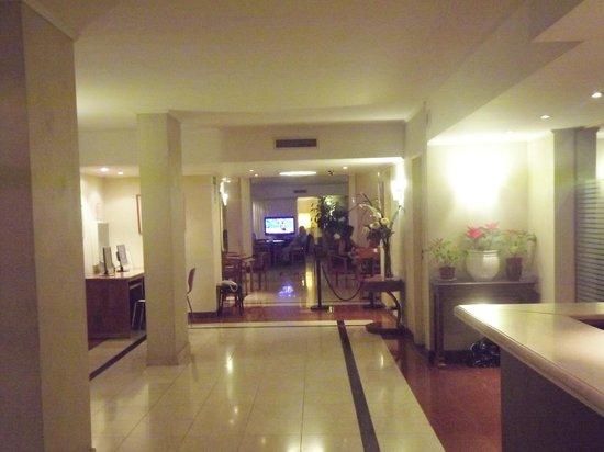 Gran Hotel Buenos Aires: FACHADA PARA IR P RESTAURANTE