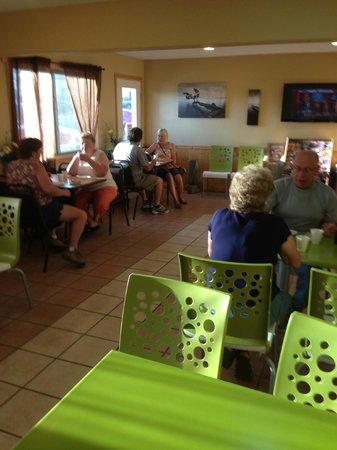 America's Best Value Inn : Continental Breakfast area