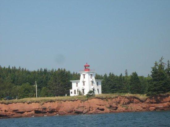Prince Edward Boat Tours: Blockhouse Lighthouse, Rocky Point, PE