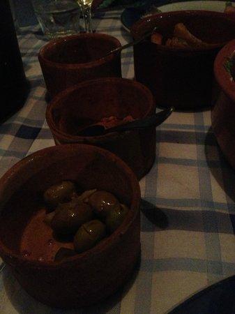 Tony's Taverna: Meat meze