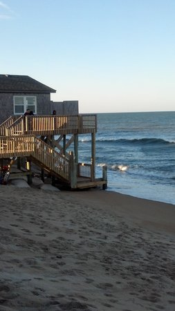 Outer Banks Motel: this is the view from our porch looking over to our left