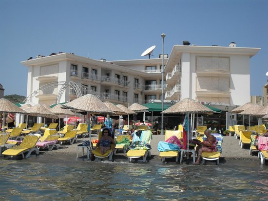 M.Kocer Family Apartments: View of hotel i took in the sea