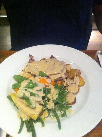Scoozi: Veal with marsala sauce