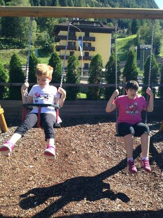 Adler Family & Wellness Clubresidence: parco giochi esterno