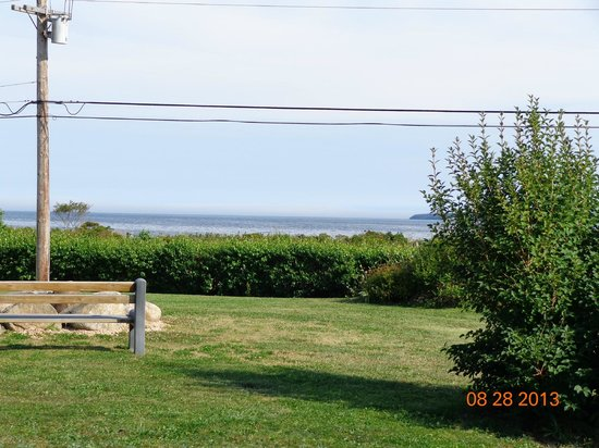 Atlantic View Motel & Cottages: view from room
