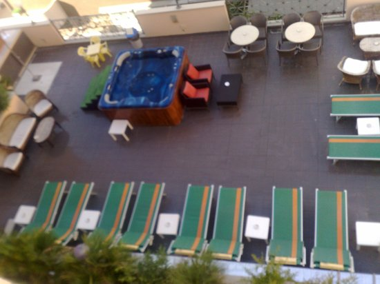 Best Western Hotel Nettunia: Terrazza + Piscina idromassaggio