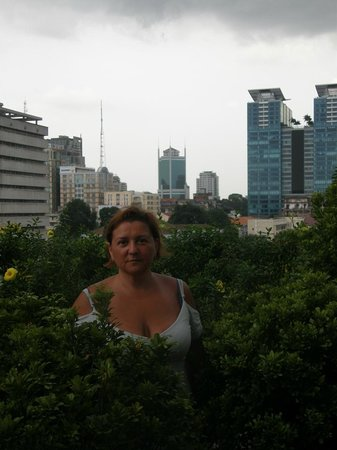 Liberty Central Saigon Centre Hotel: на террасе