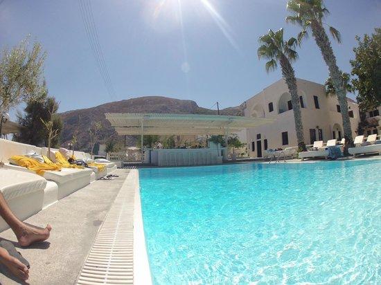 Bellonias Villas : The pool area