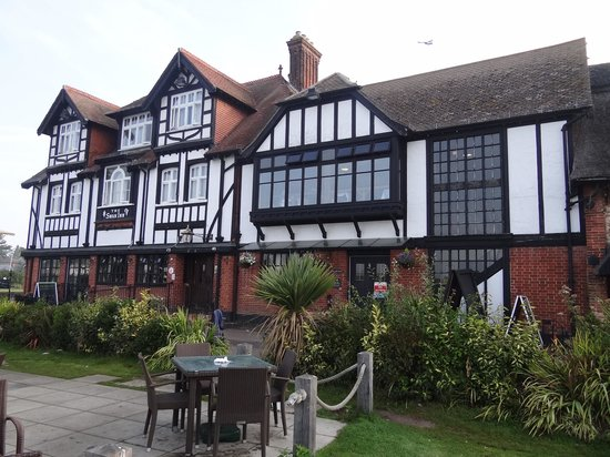 Innkeeper's Lodge Norfolk Broads - Swan Inn : Swan Inn