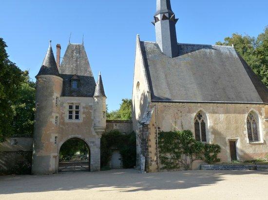 facade int rieure picture of chateau de la verrerie. Black Bedroom Furniture Sets. Home Design Ideas