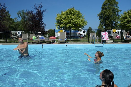 Petoskey KOA: Fun in Swimming Pool