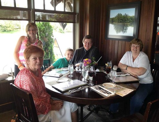 Crossroads Restaurant: Great for families