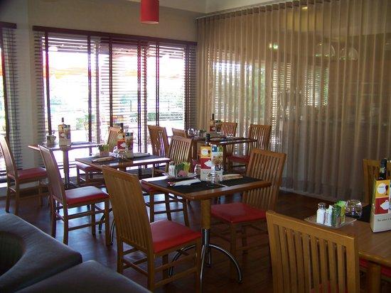 Hotel Ibis Setubal: Sala de refeição