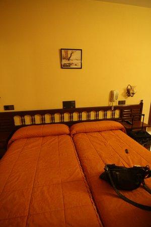 Hostal Don Jaime: habitacions