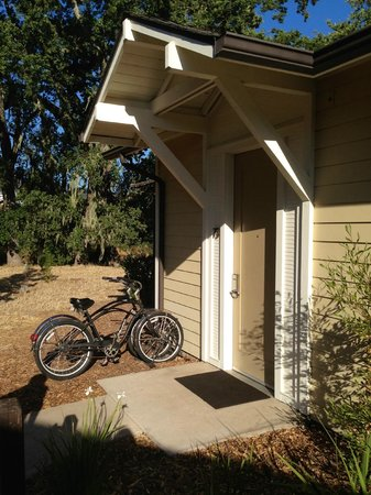 Solage, an Auberge Resort : Our room from the outside, with the 2 bikes
