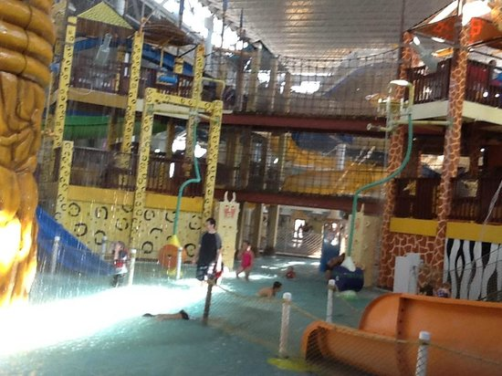 Kalahari Resorts & Conventions : One of the Kiddie pools in the Indoor Water Park