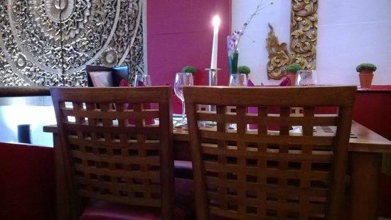 Thai Thai - East: Romantic seating