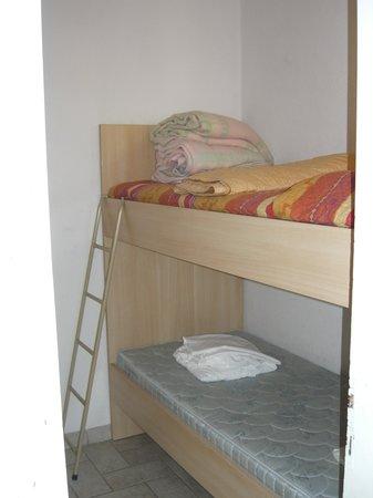 Camping Cisano San Vito: letto a castello
