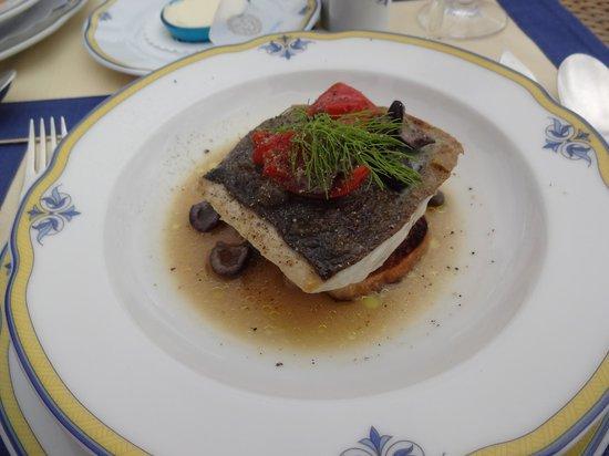 Rossellinis Restaurant : 魚のグリル