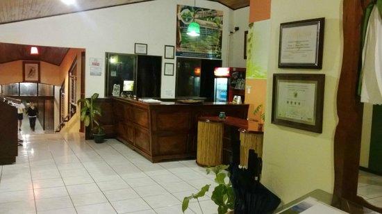 GreenLagoon Wellbeing Resort: Reception area