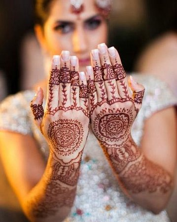 Silk & Stone Holistic Spa: Bridal Henna Art