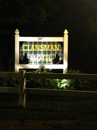The Clansman Motel : Hotel Sign