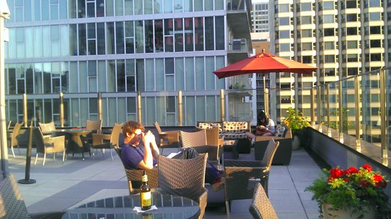 Inn Of Chicago: Rooftop Patio