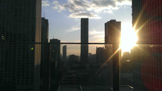 Inn of Chicago: View from the rooftop patio