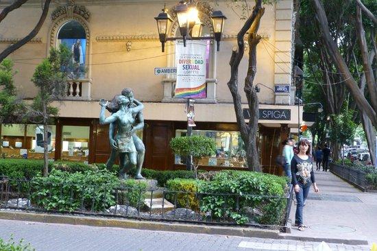 Hotel Royal Reforma: Muy lindo entorno y ubicación