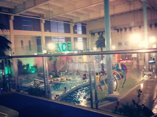 Pasig, Filipiny: Inside the Ace Water Spa view from the top