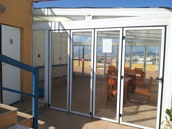 Don Quijote Hotel: Always closed poolside bar