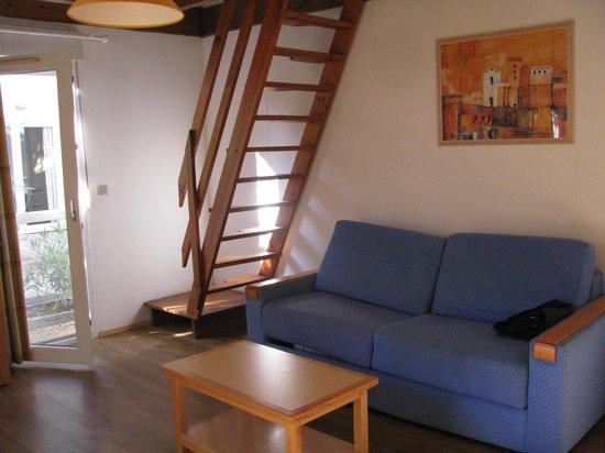Apartamentos Maeva Hôtel La Socanelle: лестница крутовата
