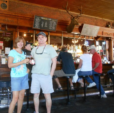 The Brick: Fun bar, friendly patrons, great service