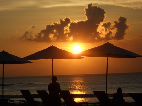 Bali Garden Beach Resort: sunset at Bali Garden