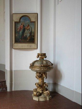 Ev.-luth. Kirche Moritzburg: Taufstein und Wandbild