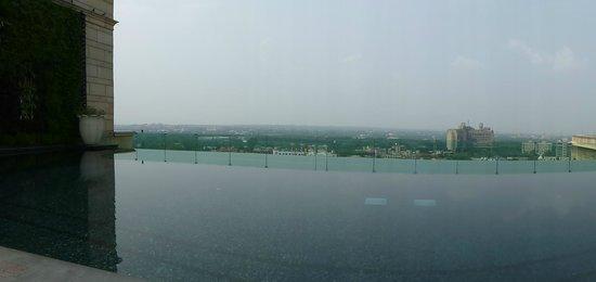 The Leela Palace New Delhi : Pool