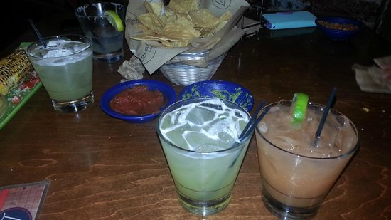 Local Taco: Mojito, chips and margarita