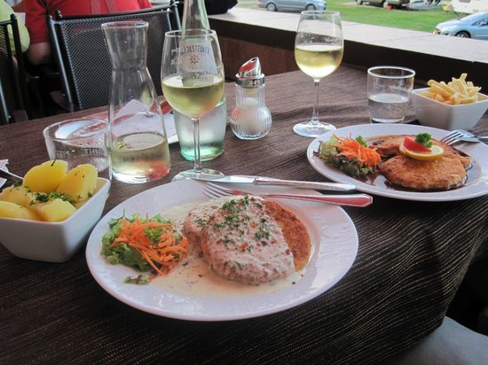 Hotel Keutmann Restaurant: cauliflower patties and schnitzel at Hotel Keutmann