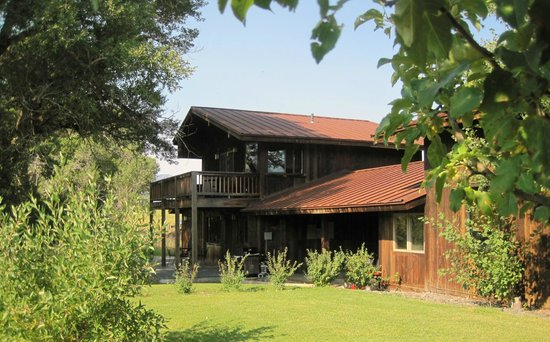 Paradise Gateway Bed & Breakfast: The beautiful Rivers Bend Lodge