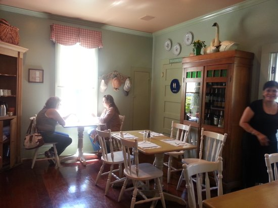 Red House Cafe : Cute Interior