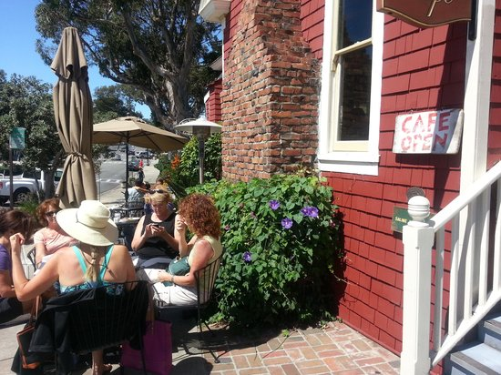 Red House Cafe : Outdoor Seating