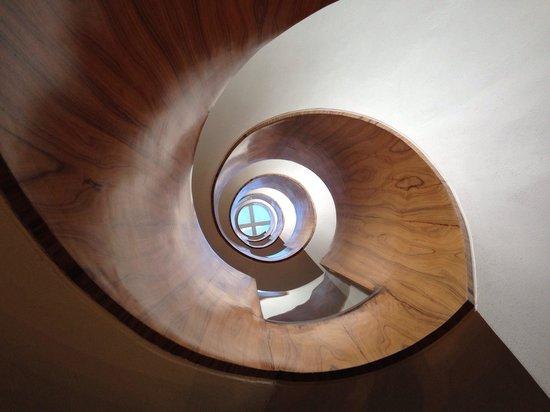 Las Alcobas Mexico DF: Center Circular Stair - Looking up