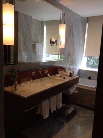 Las Alcobas Mexico DF: Bath Room