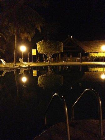 El Pantanal Hotel: between 18:00pm, a lot of mosquito.