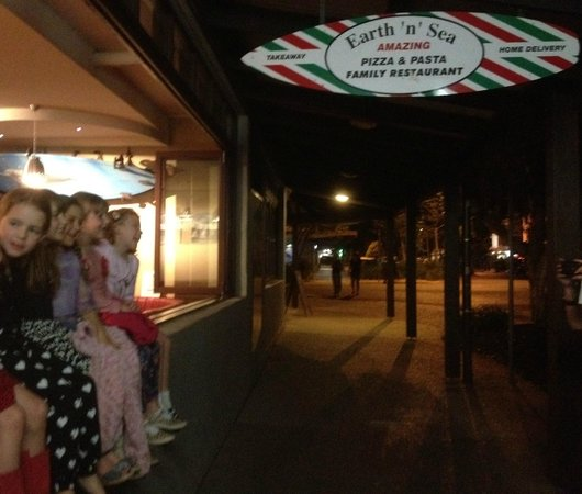 Earth 'n' Sea Amazing Pizza & Pasta : Kids night out