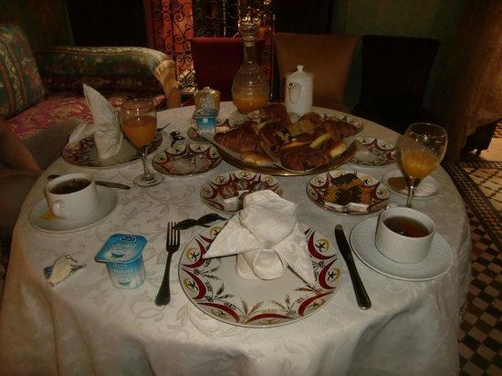 Dar Anebar: 朝ごはん