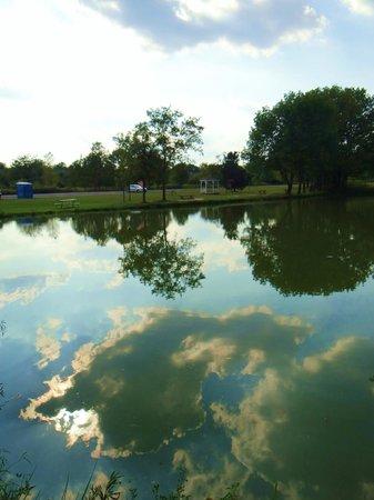 Caesar Creek Lake: pond near the dam